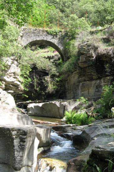 Le pont de l'ancienne route